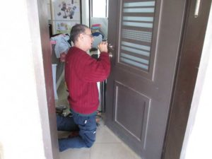 החלפת מנעול בדלת פנימית סיום