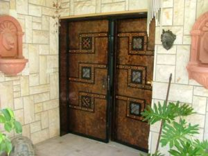 2 דלתות כניסה חום