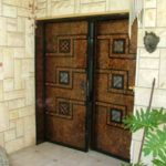 2 דלתות כניסה חומות
