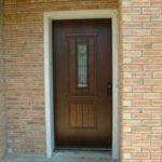 דלת כניסה חום