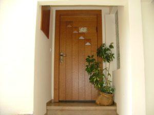 דלת עם חיפוי פורניר