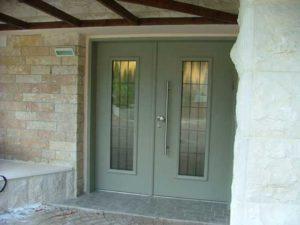 2 דלתות פלדה עם חלונות זכוכית