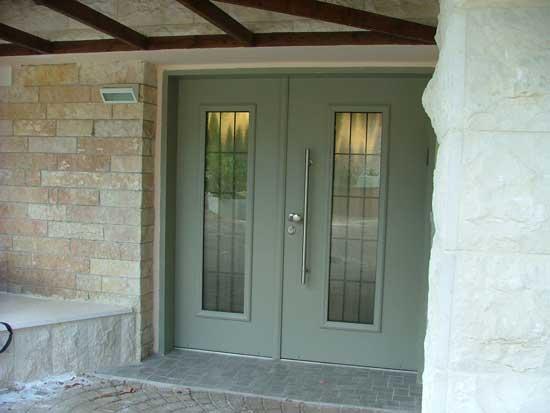 דלת פלדה בכניסה לבית