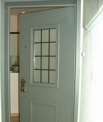 החלפת דלת כניסה
