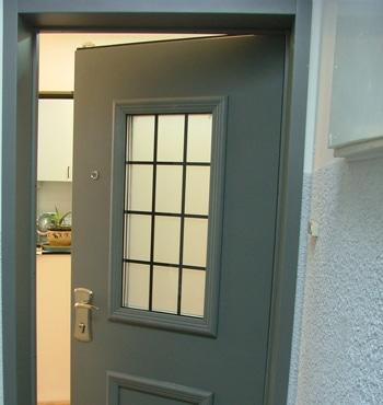 דלת כניסה לאחר החלפה