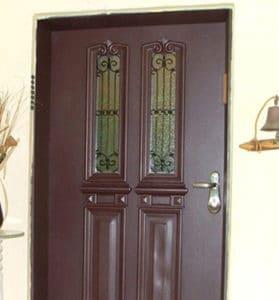 דלת כניסה חומה 2 זכוכיות