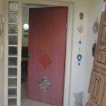 דלת כניסה ישנה